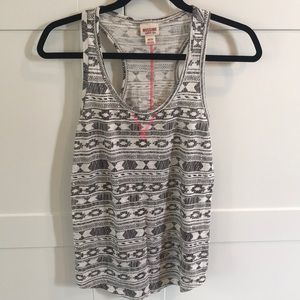 Mossimo white and gray tribal tank